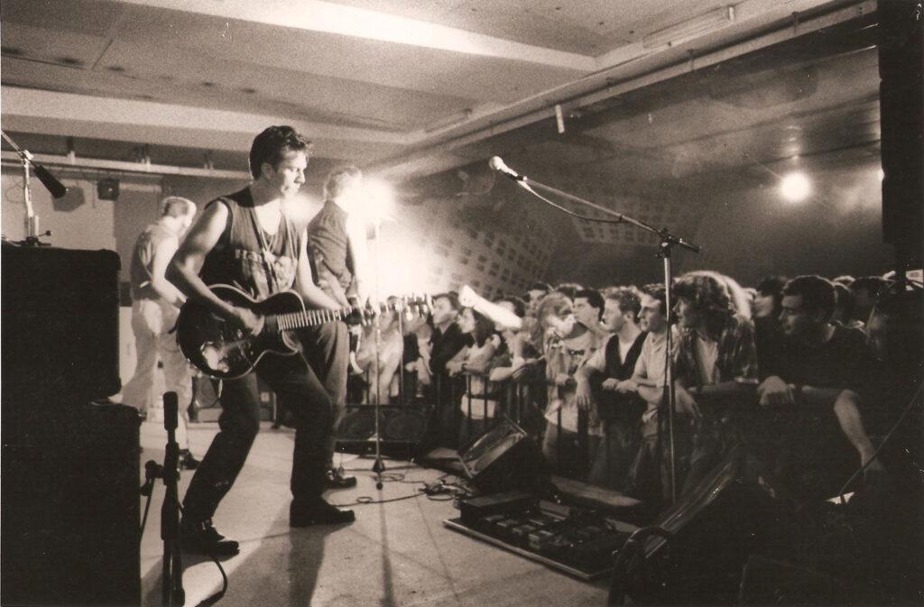 Gli Havana 3 A.M. sul palco. 1991