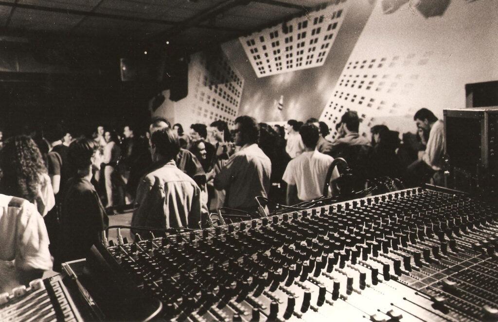 Interno della sala durante un concerto. 1987