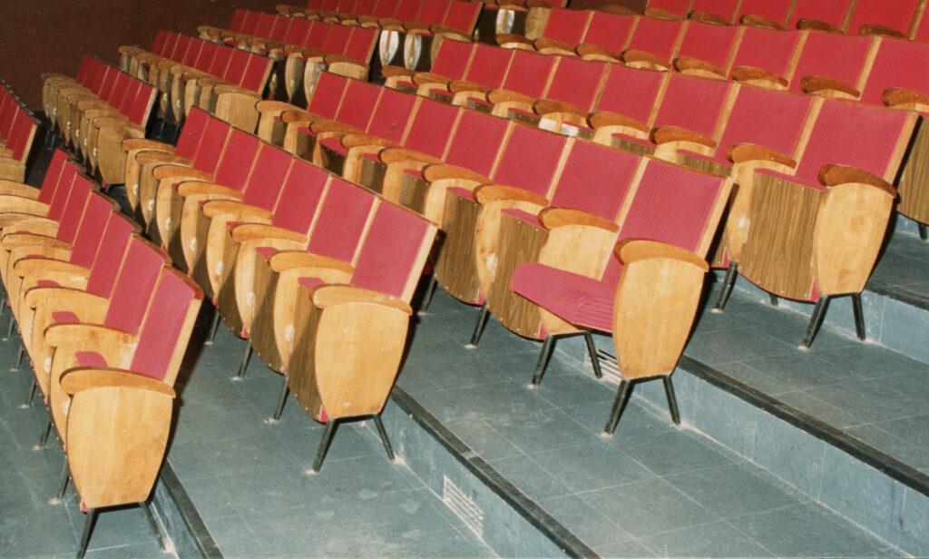 Le vecchie poltroncine del cinema. Fine anni Ottanta