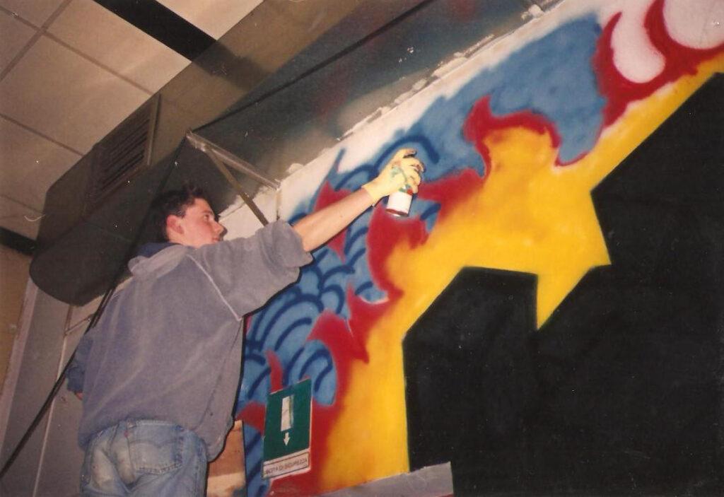 """Intervento di graffiti art di Lele """"Gosh"""" Bellato. Fine anni Novanta."""