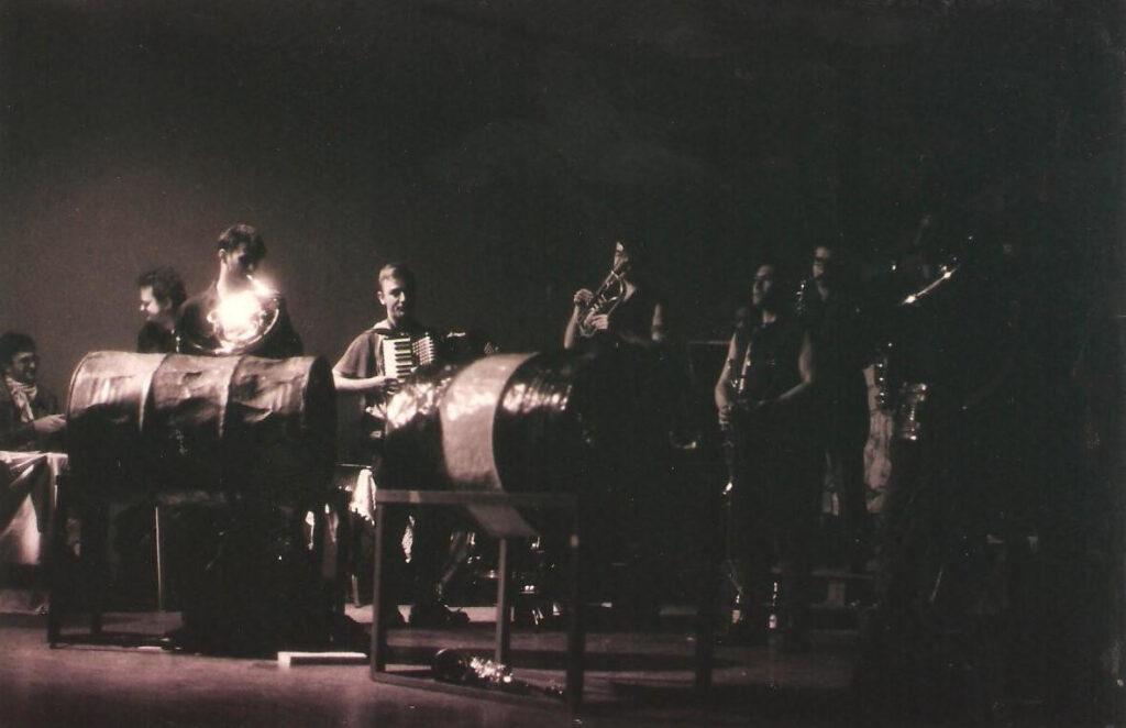 Concerto delle Officine Schwartz, con l'industrial sound della band di Osvaldo Arioldi. 1992