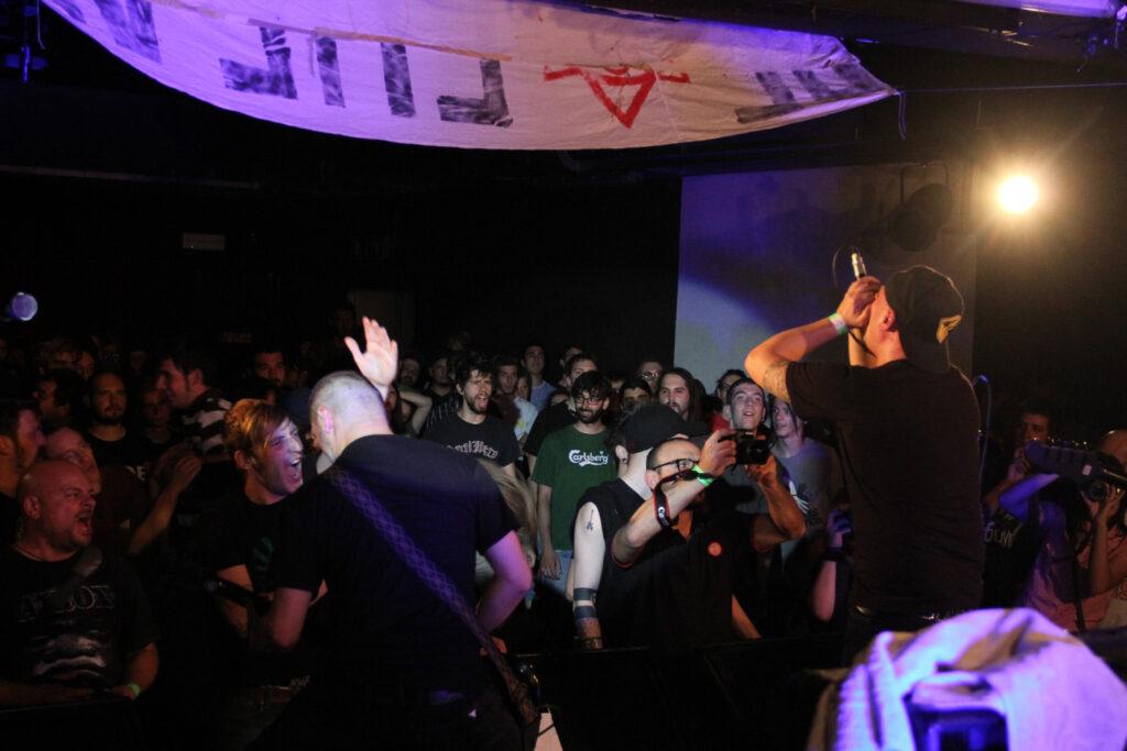Concerto dei De Crew, una band nata e cresciuta al Bloom. 2006