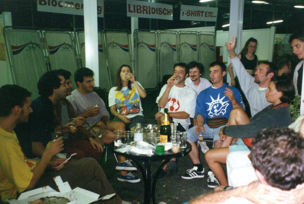 Soci della Cooperativa durante una pausa di Bloomriver. 1993