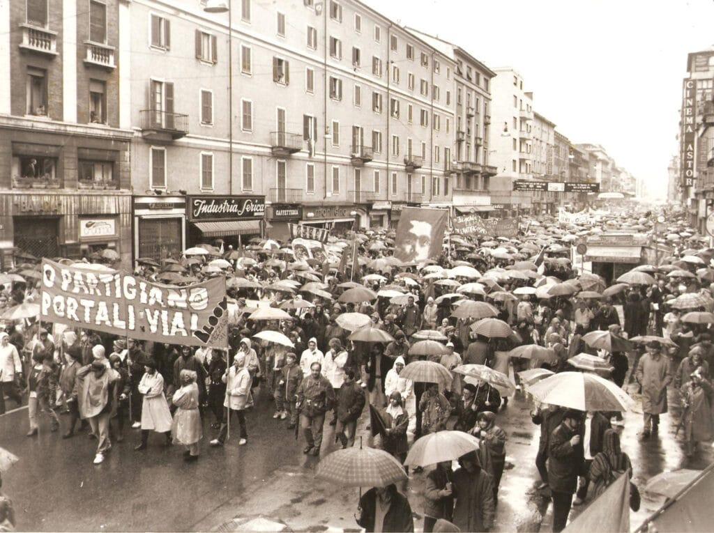 Il corteo della manifestazione del 25 aprile, 25 aprile 1994