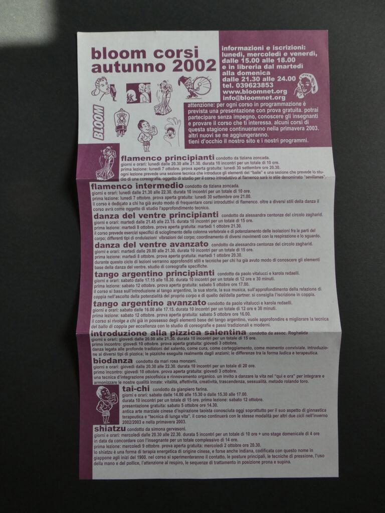 Pieghevole che pubblicizza il corsi autunnali. 2002