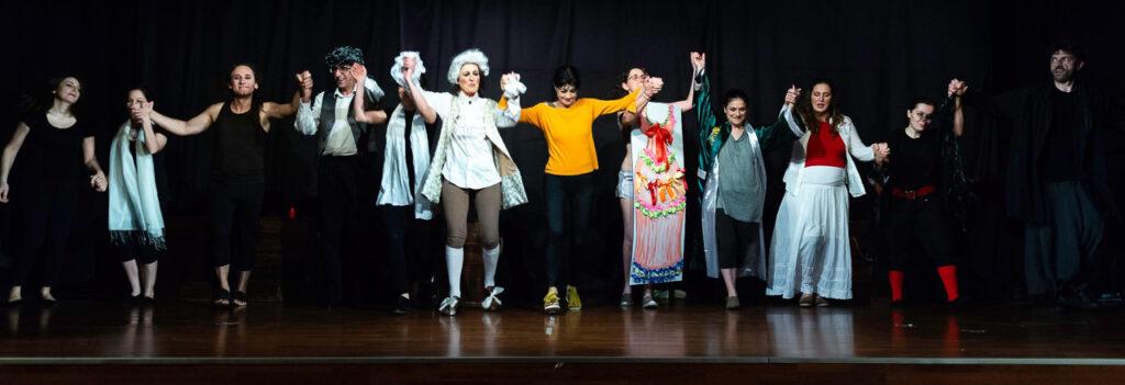 Spettacolo La Locanda del caffè. Goldoni mashup, a cura di Lilli Valcepina e Aldo Castelli, messo in scena dai frequentanti il corso di teatro. 2017